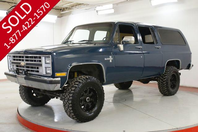 1988 CHEVROLET SUBURBAN 4X4  LOW MILES 350 V8 A/C PS PB